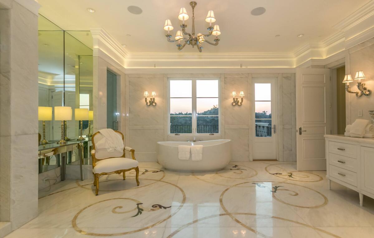 bathroom Benedict Residence stone project